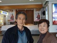 外科の戸田先生にやっとお会いできました。「震災のニュースを見て僕がいかなければという思いになった」問いwれます。まさに天の声でした。福島の対策本部から西会津の診療所に来られました。